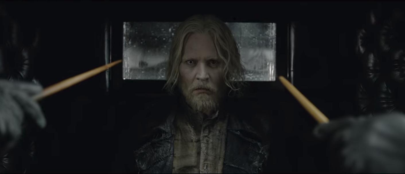 """Hiệu trưởng Dumbledore Jude Law cực bảnh thả thính tung tóe ngay trailer """"Fantastic Beasts 2"""" - Ảnh 7."""