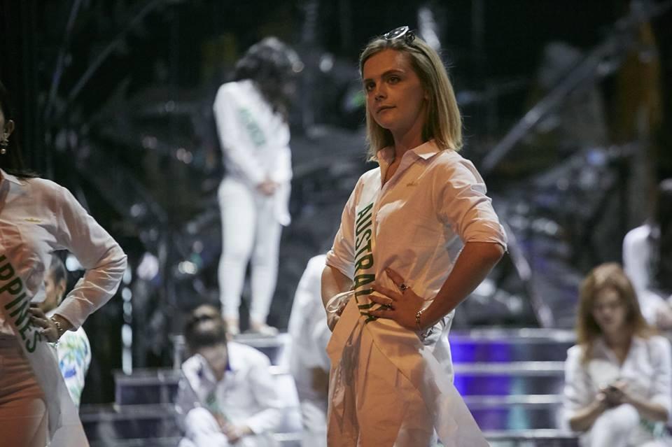 Sau đăng quang, Á hậu 1 của Hoa hậu Chuyển giới Quốc tế 2018 3 lần diện lại 1 chiếc váy dạ hội cho các hoạt động - Ảnh 4.
