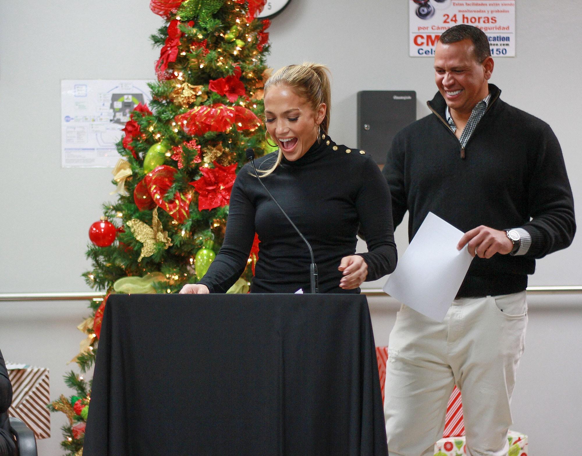 Hưởng ứng #MeToo, Jennifer Lopez tiết lộ từng bị ép cởi áo khoe ngực khi mới vào showbiz - Ảnh 2.