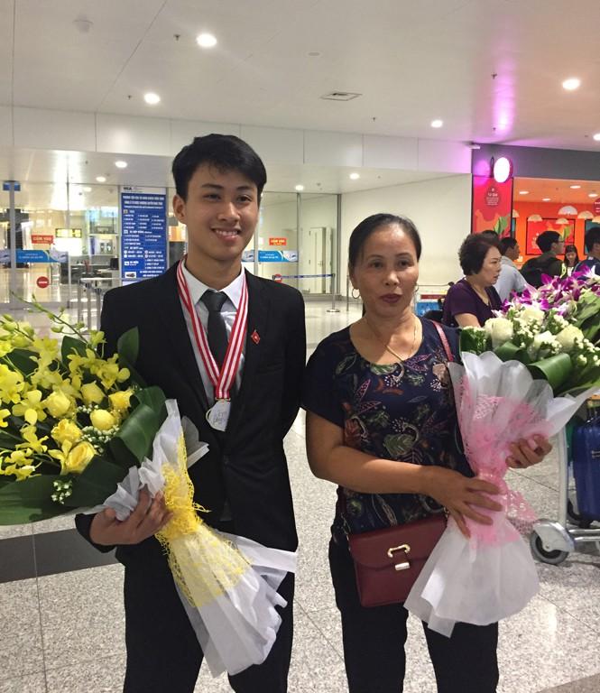 9x Quảng Bình từng giành 2 HCV Olympic Quốc tế trúng tuyển vào ĐH số một thế giới - Ảnh 4.