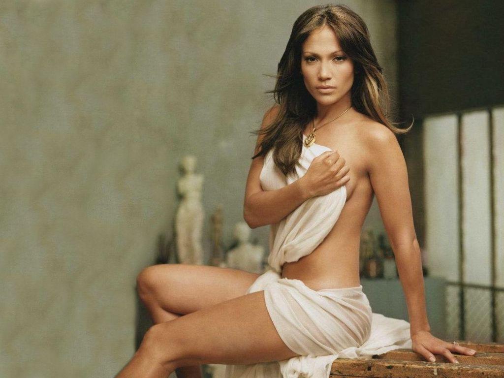 Hưởng ứng #MeToo, Jennifer Lopez tiết lộ từng bị ép cởi áo khoe ngực khi mới vào showbiz - Ảnh 1.