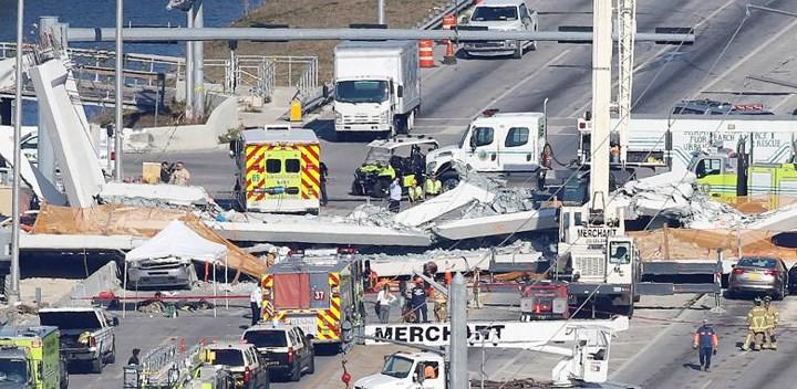 Hình ảnh hiện trường vụ sập cầu vượt vừa xây xong tại Miami (Mỹ) - Ảnh 3.