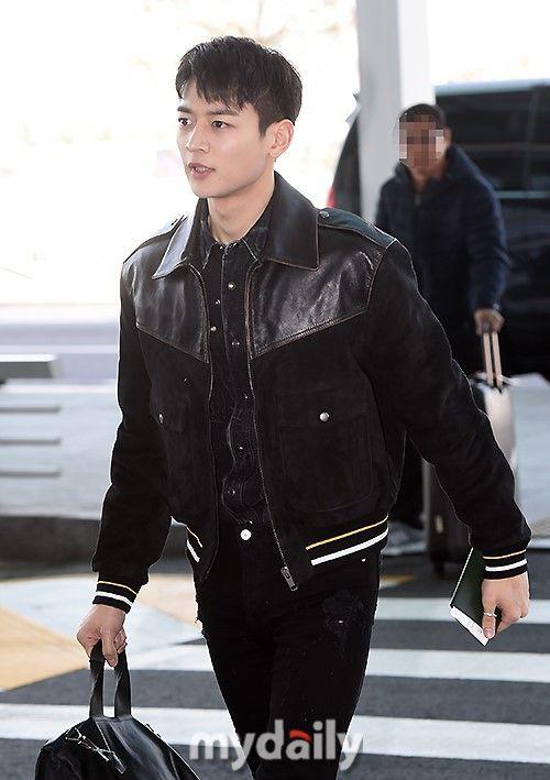 Thời trang sân bay của dàn mỹ nam Hàn nửa đầu tháng 3 toàn đồ đơn giản nhưng hút mắt vô cùng - Ảnh 4.