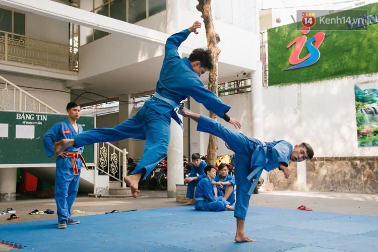 Ngôi trường giúp học sinh cai nghiện game Dota, Liên Minh Huyền Thoại bằng võ Vovinam - Ảnh 16.
