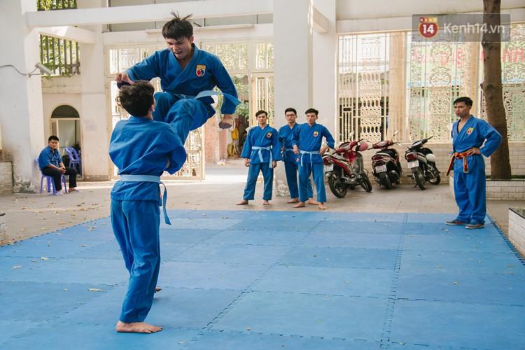 Ngôi trường giúp học sinh cai nghiện game Dota, Liên Minh Huyền Thoại bằng võ Vovinam - Ảnh 14.