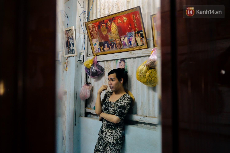 Chị Hai, chị Ba bán xôi Sài Gòn: Hai anh em trốn chạy để được làm con gái và trở về bên vòng tay bao dung của gia đình - Ảnh 6.