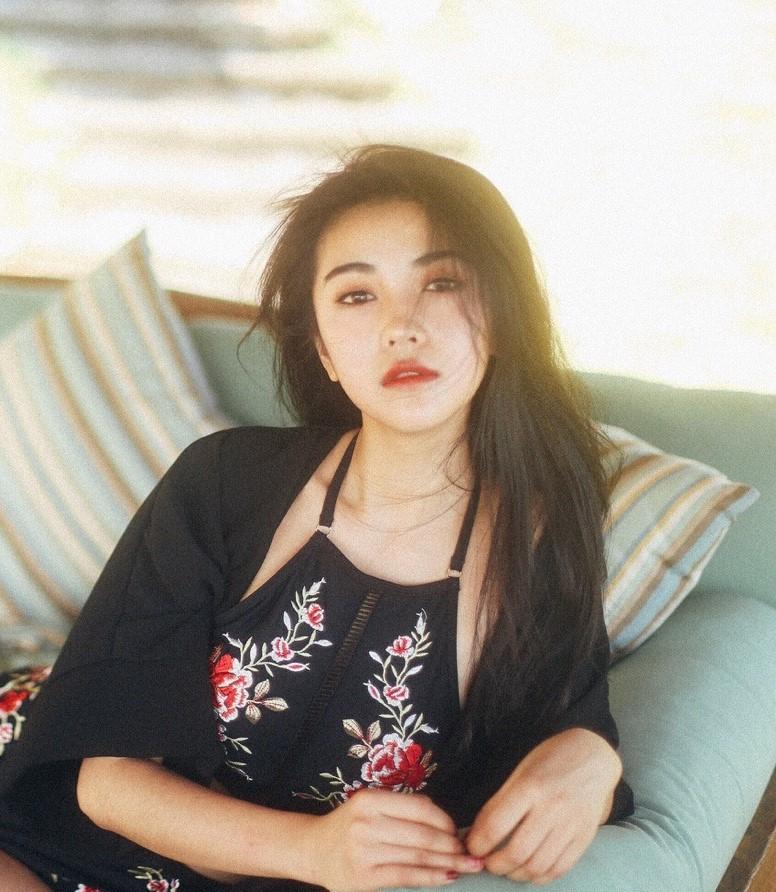Cô bạn Trung Quốc sở hữu nét đẹp được ví như các mỹ nhân TVB thập niên 90 - Ảnh 4.