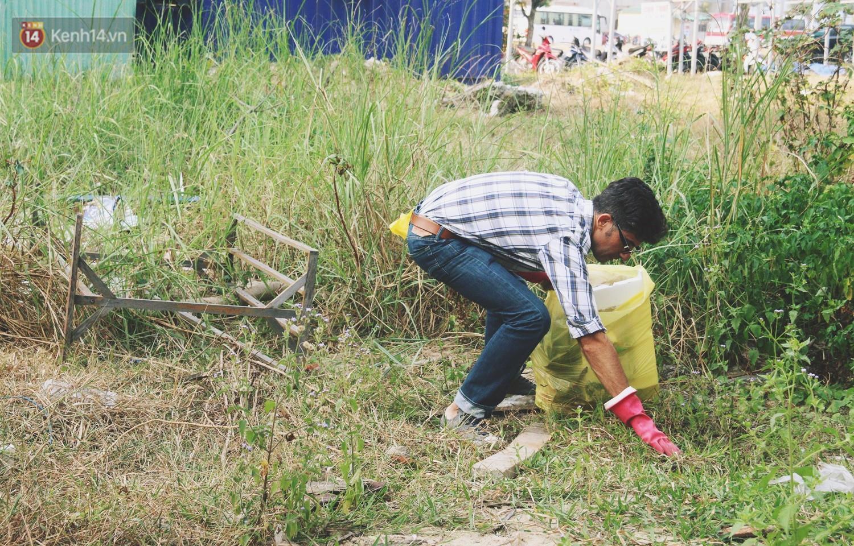 """Quá yêu Đà Nẵng, chàng trai Tây lặng lẽ nhặt rác mỗi ngày: """"Tôi không muốn thành phố này mất đẹp trong lòng du khách - Ảnh 5."""