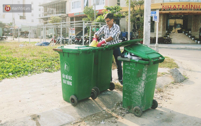 """Quá yêu Đà Nẵng, chàng trai Tây lặng lẽ nhặt rác mỗi ngày: """"Tôi không muốn thành phố này mất đẹp trong lòng du khách - Ảnh 8."""