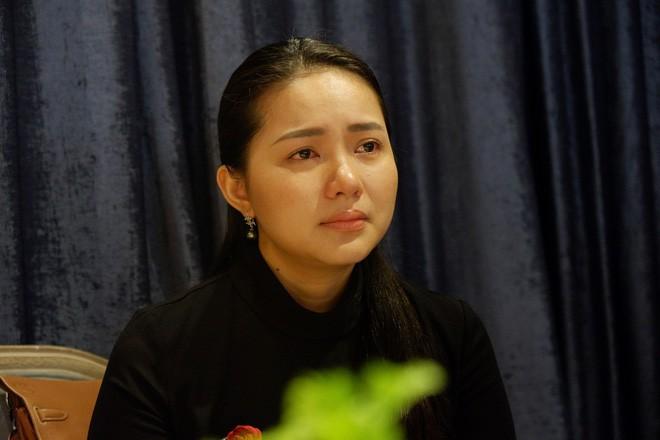 """Phan Như Thảo nghẹn ngào khẳng định trong họp báo: """"Chỉ có duy nhất một người có đủ động lực hại mình"""" - Ảnh 2."""