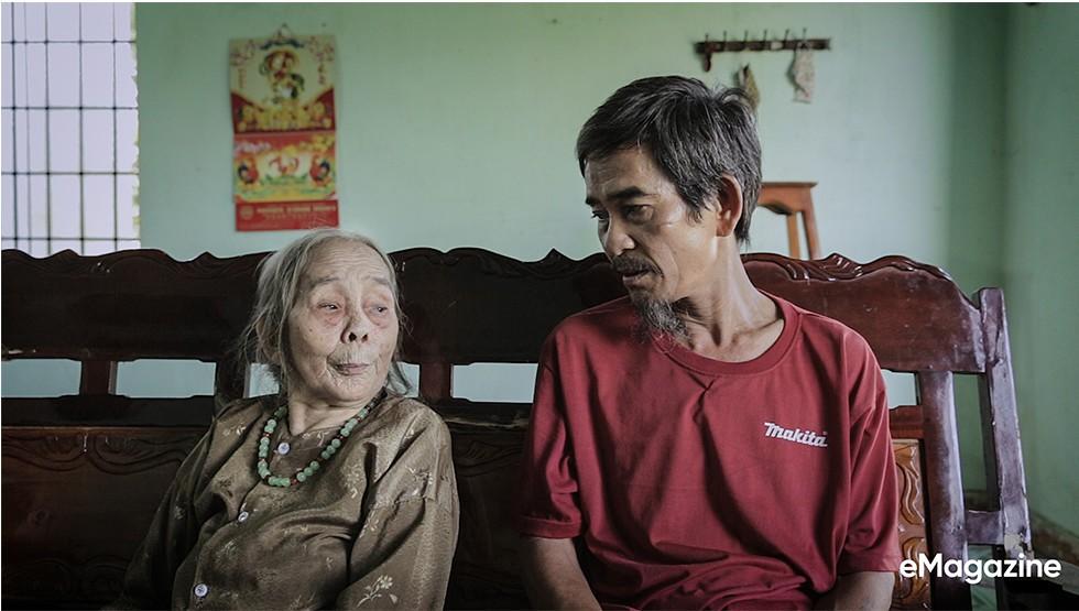 Tìm về những mảnh đời của người già bán vé số Sài Gòn: Nơi quê hương không ngọt - Ảnh 6.