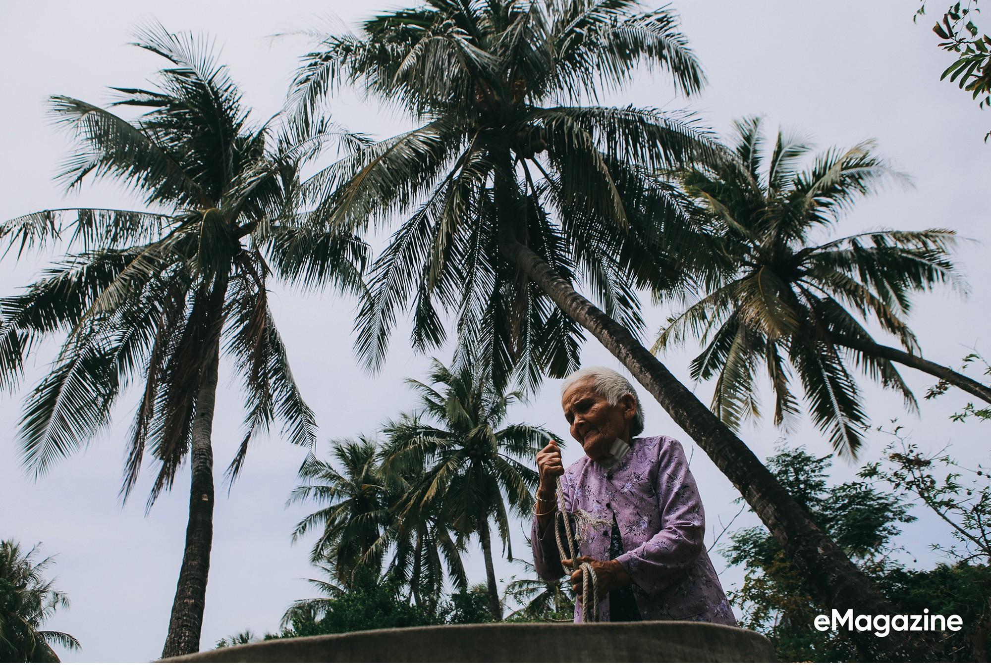 Tìm về những mảnh đời của người già bán vé số Sài Gòn: Nơi quê hương không ngọt - Ảnh 15.