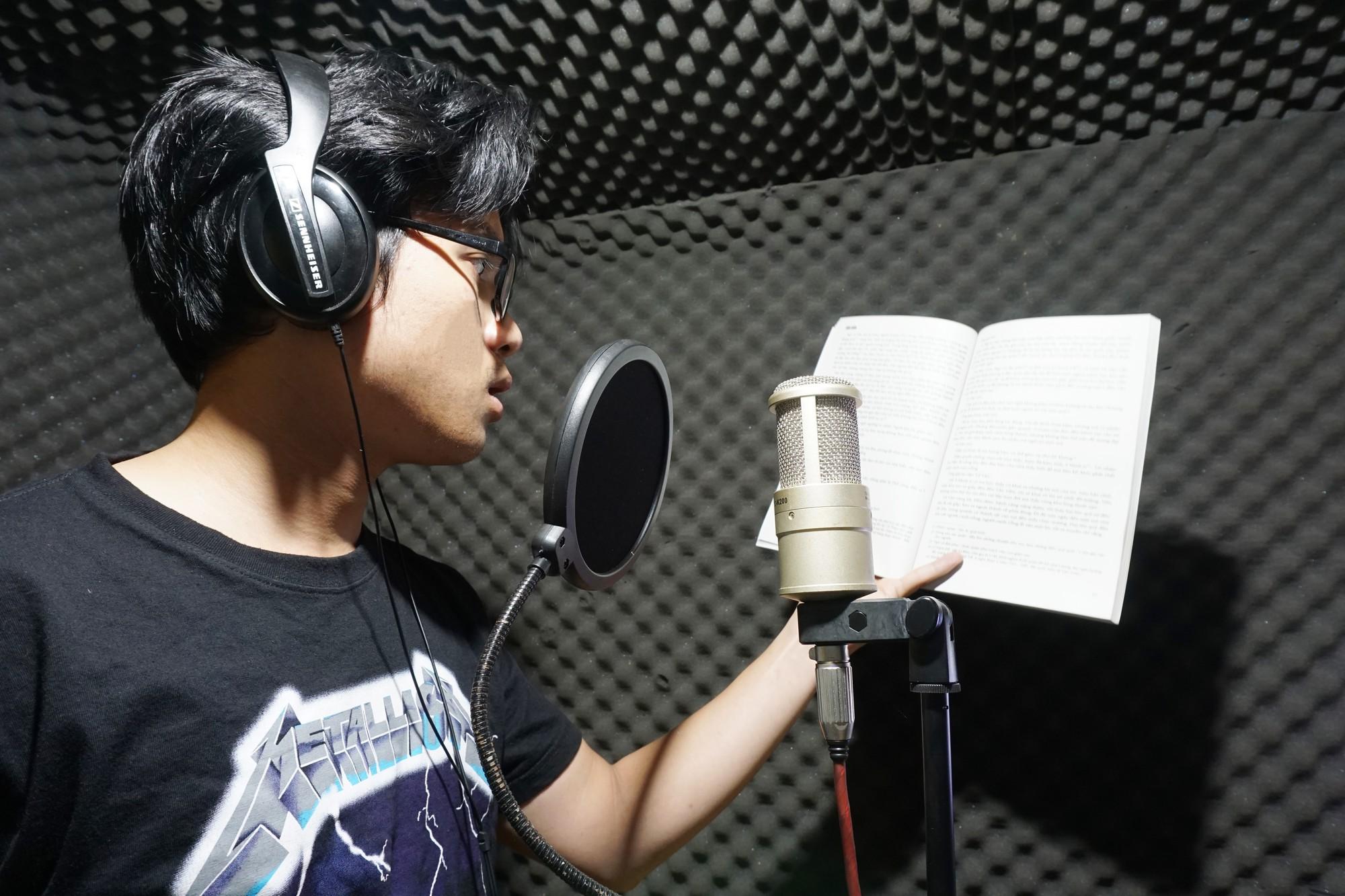 9x Gia Lai nổi tiếng khi biến các tác phẩm Ngữ văn thành rap: Từng nhờ rap mà bỏ được game - Ảnh 10.
