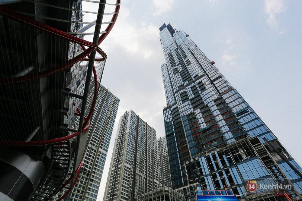 Clip, ảnh: Toàn cảnh tòa tháp 81 tầng cao nhất Việt Nam của tỷ phú Phạm Nhật Vượng nhìn từ trên cao - Ảnh 11.
