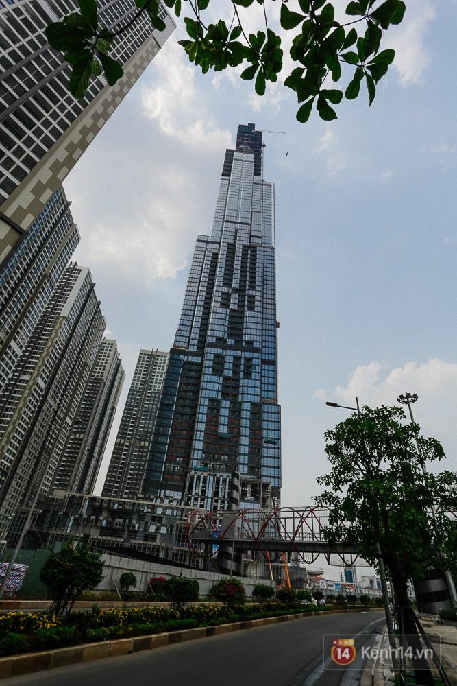 Clip, ảnh: Toàn cảnh tòa tháp 81 tầng cao nhất Việt Nam của tỷ phú Phạm Nhật Vượng nhìn từ trên cao - Ảnh 10.