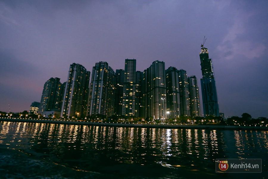 Clip, ảnh: Toàn cảnh tòa tháp 81 tầng cao nhất Việt Nam của tỷ phú Phạm Nhật Vượng nhìn từ trên cao - Ảnh 14.