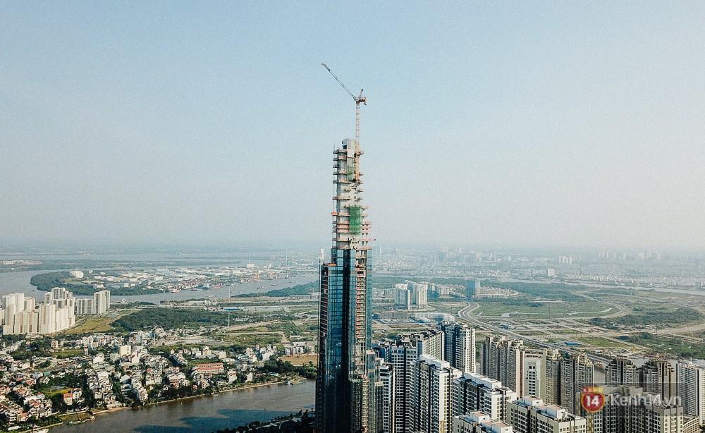 Clip, ảnh: Toàn cảnh tòa tháp 81 tầng cao nhất Việt Nam của tỷ phú Phạm Nhật Vượng nhìn từ trên cao - Ảnh 4.