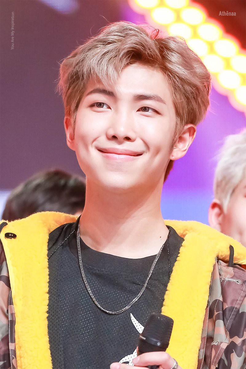 Sau j-hope, đến lượt RM sắp gây bão Kpop với mixtape mới? - Ảnh 1.