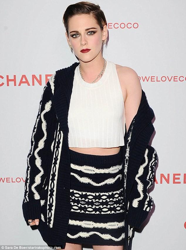 Thần thái đầy kiêu kỳ, sắc đẹp của Kristen Stewart dìm hàng toàn tập cô bạn gái siêu mẫu - Ảnh 5.