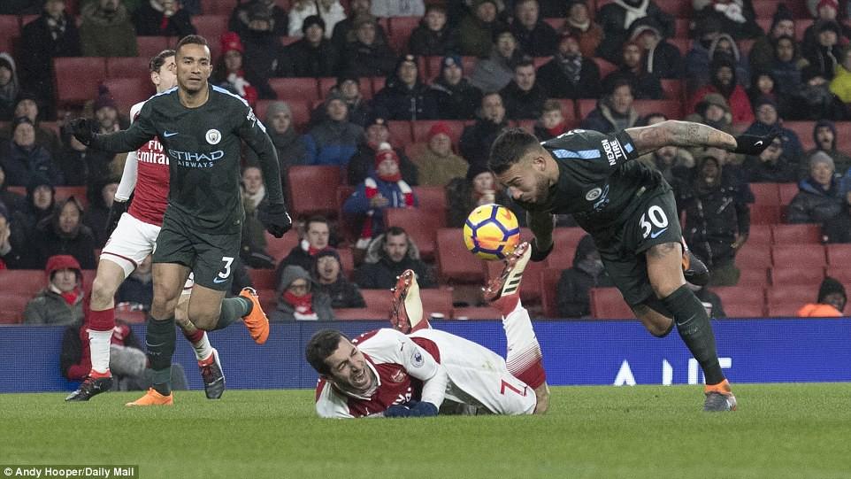 Arsenal thua thảm Man City 2 lần trong vòng 4 ngày - Ảnh 14.
