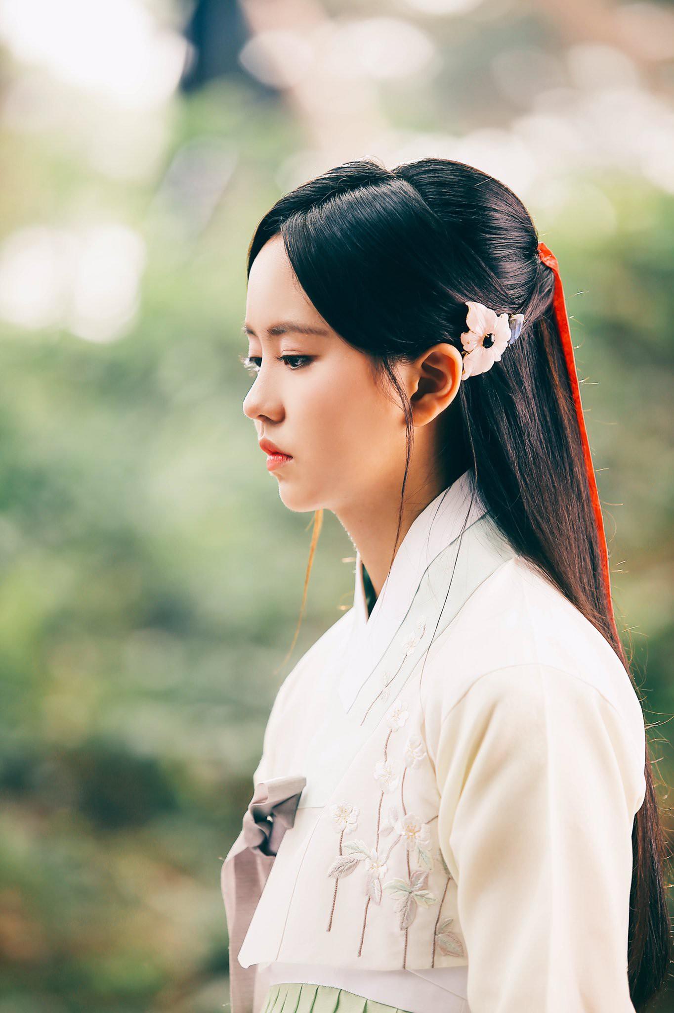 2 nữ thần nhí một thời Kim Yoo Jung và Kim So Hyun dậy thì: Quá xuất sắc, đẹp đến mức khó chọn ai nhỉnh hơn - Ảnh 47.