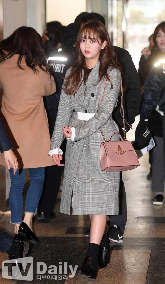 2 nữ thần nhí một thời Kim Yoo Jung và Kim So Hyun dậy thì: Quá xuất sắc, đẹp đến mức khó chọn ai nhỉnh hơn - Ảnh 42.