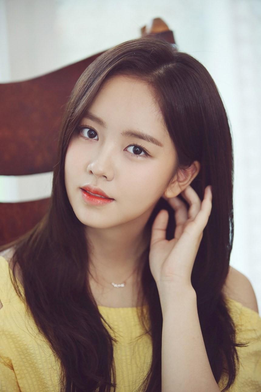 2 nữ thần nhí một thời Kim Yoo Jung và Kim So Hyun dậy thì: Quá xuất sắc, đẹp đến mức khó chọn ai nhỉnh hơn - Ảnh 12.