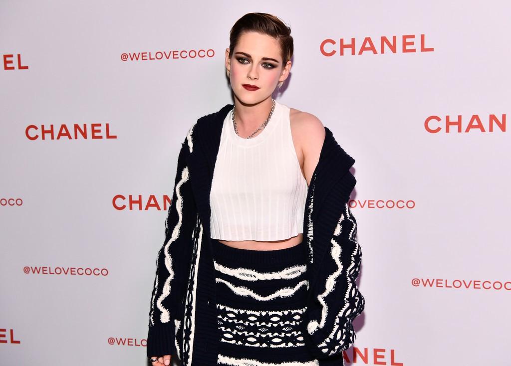 Thần thái đầy kiêu kỳ, sắc đẹp của Kristen Stewart dìm hàng toàn tập cô bạn gái siêu mẫu - Ảnh 4.