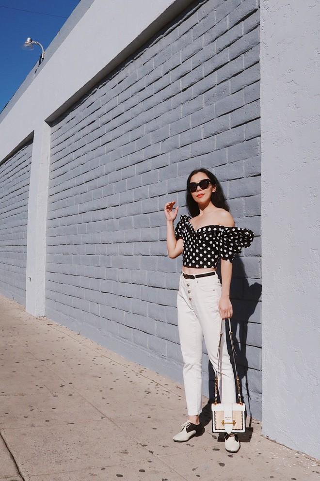 Diện quần âu và sơmi cách điệu đẹp như các quý cô châu Á trong street style đầu tháng 3 - Ảnh 12.