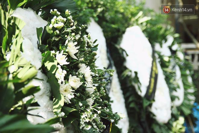 Chị gái khóc ngất trong lễ tang chiến sĩ PCCC hy sinh trên đường đi cứu nạn ở cao tốc Pháp Vân - Ảnh 6.