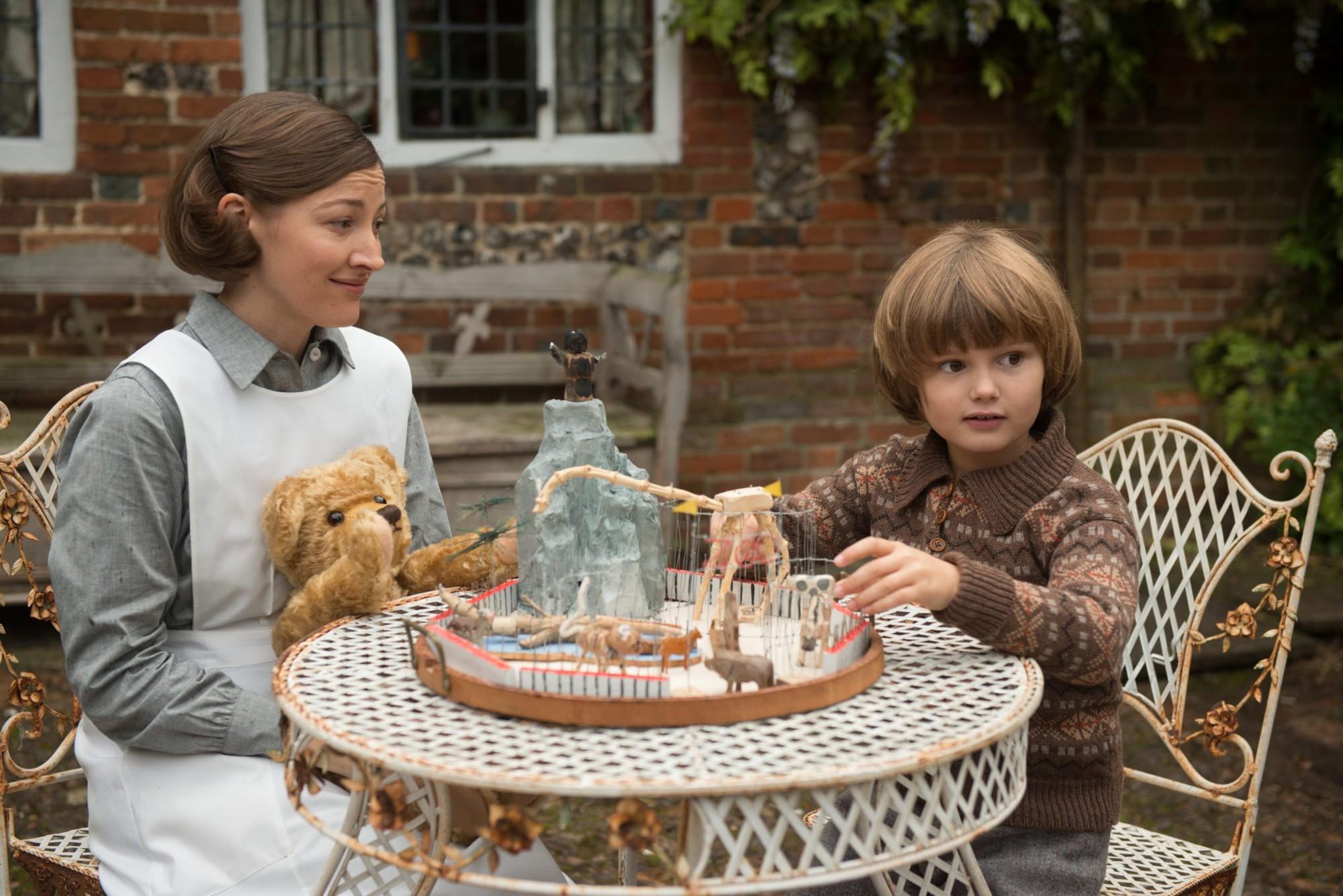 """Goodbye Christopher Robin: Hành trình trở về cùng gia đình và tuổi thơ mang tên """"Gấu Pooh"""" - Ảnh 8."""