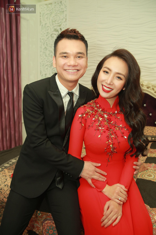 Trước ngày cưới, Khắc Việt tặng bà xã xinh đẹp nhẫn kim cương lấp lánh - Ảnh 2.