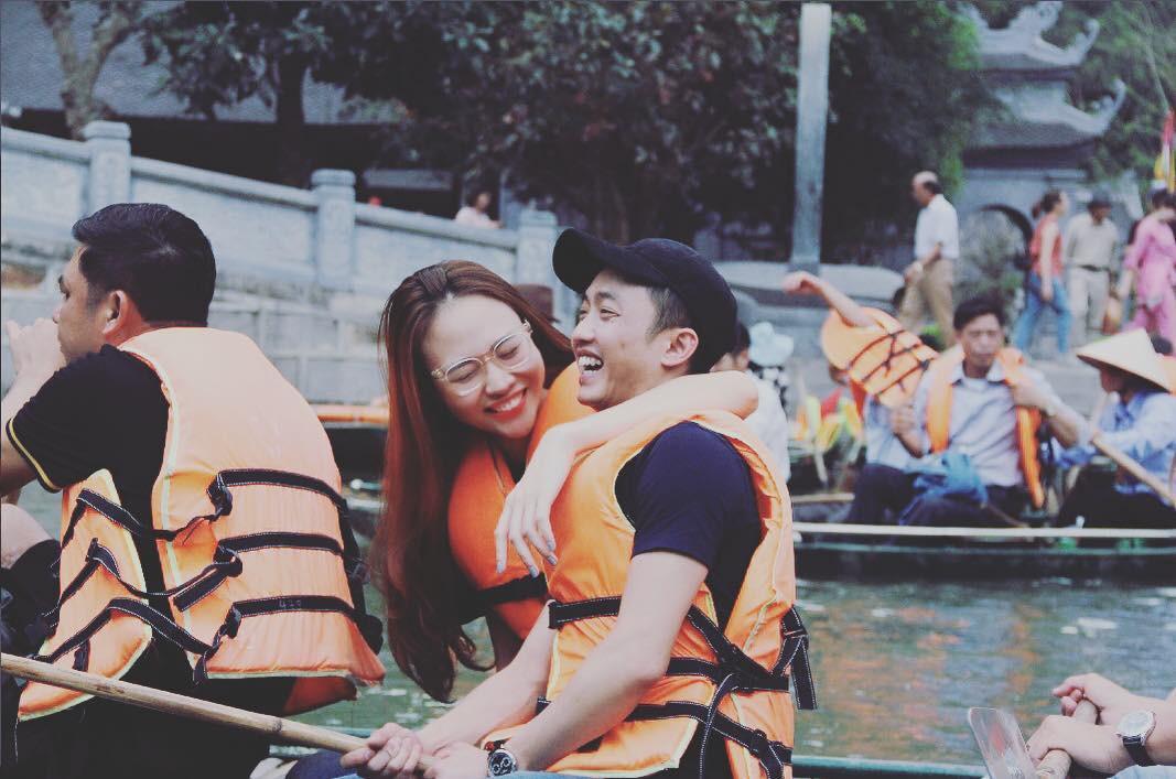 Giữa showbiz Việt đầy ồn ào thị phi, Đàm Thu Trang vẫn ngọt ngào và bình yên bên Cường Đô La thế này đây! - Ảnh 1.