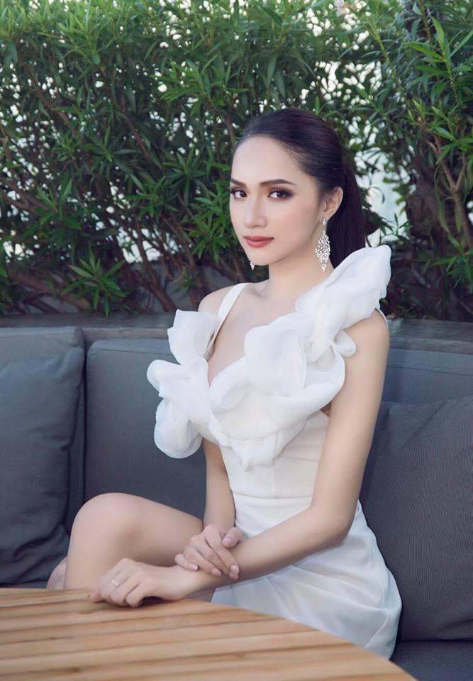 Vừa trở lại Thái Lan, Hoa hậu Hương Giang đã đốn tim fan với nhan sắc quyến rũ - Ảnh 8.