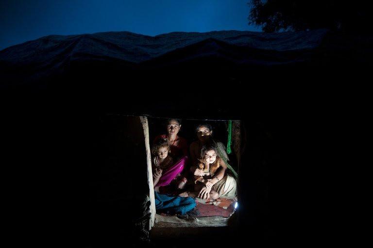 """Cơn ác mộng của phụ nữ Nepal khi tới ngày """"đèn đỏ: Phải rời khỏi nhà, ngủ ở những túp lều rách rưới, dễ bị kẻ xấu và thú dữ đoạt mạng - Ảnh 3."""