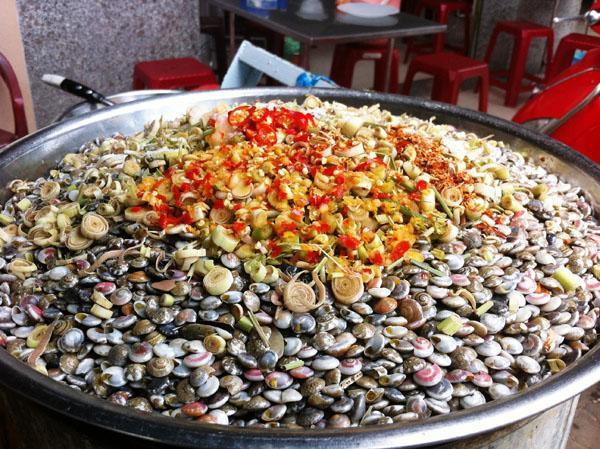 Món ốc nhiều sắc màu, bé xíu và cực khó ăn lại là đặc sản được nhiều người yêu thích - Ảnh 3.