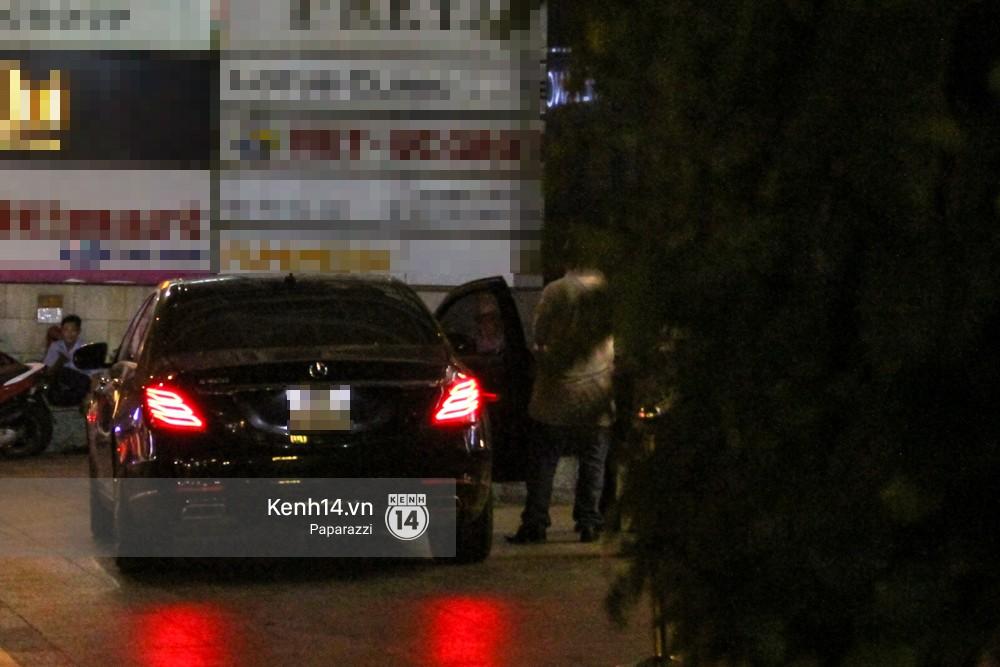 Hoa hậu Đặng Thu Thảo đã rời bệnh viện trở về nhà sau khi hạ sinh con đầu lòng. - Ảnh 2.