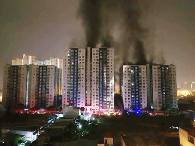 Kể lại cái vụ cháy chung cư Carina Plaza ở VN Photo-1-15218021044681195092977