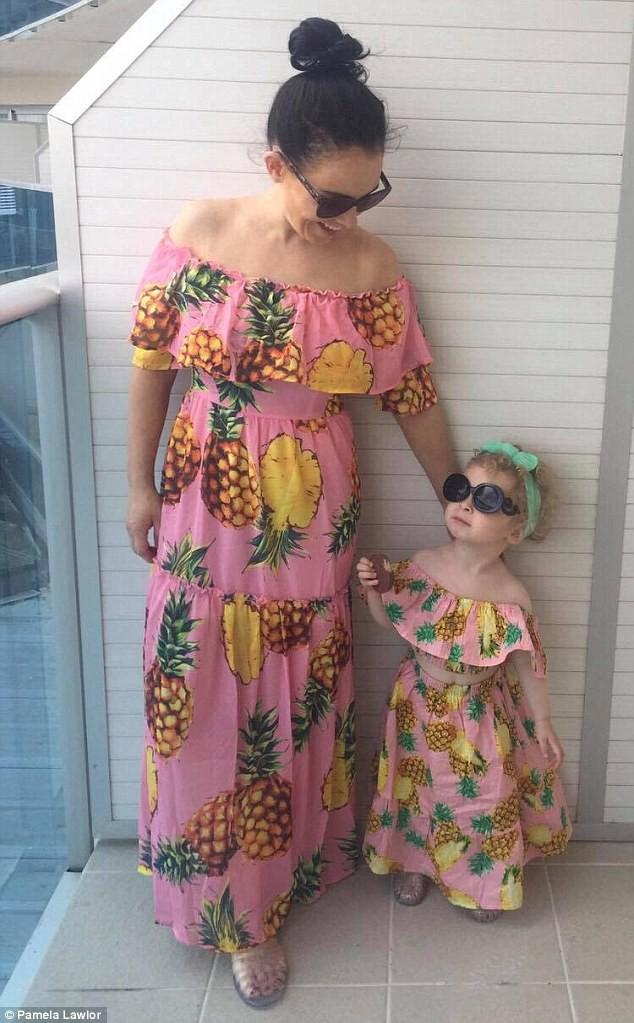 Cô bé 2 tuổi mê thời trang đến độ đọc vanh vách tên các thương hiệu và thần thái không chê vào đâu được - Ảnh 6.