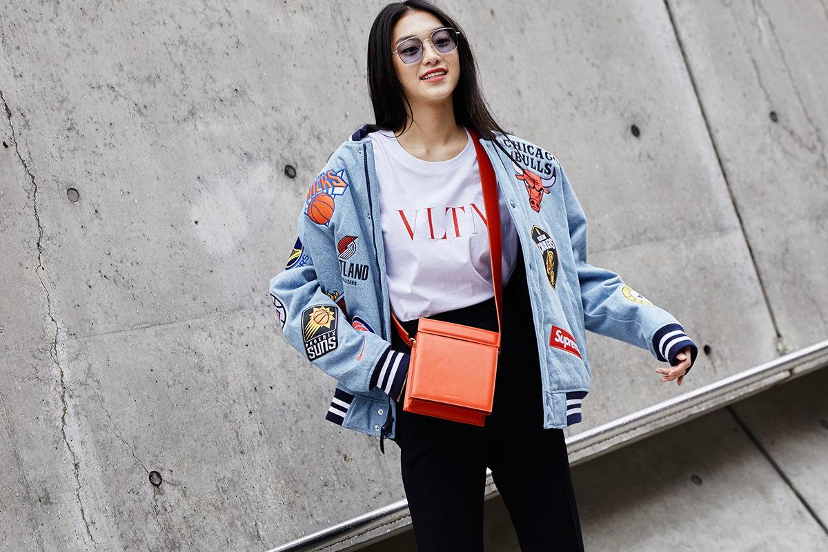 Giới trẻ Hàn Quốc luôn mặc đẹp nhưng chỉ tại Seoul Fashion Week, người ta mới có thể bắt gặp nhiều anh tài street style hội tụ đến thế - Ảnh 22.