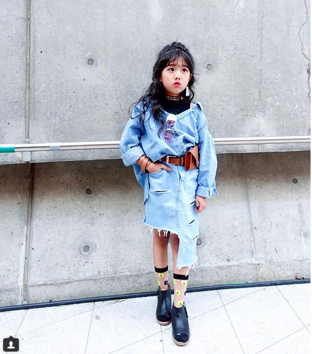 Đến hẹn lại lên, loạt nhóc tì khuấy đảo Tuần lễ Thời Trang Seoul 2018 với loạt street style cực chất cùng thần thái pose ảnh còn hơn cả người lớn - Ảnh 15.