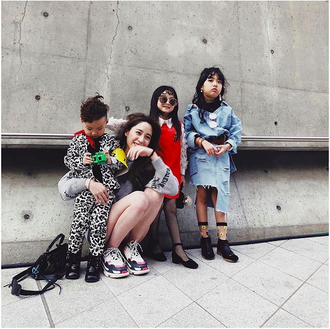 Đến hẹn lại lên, loạt nhóc tì khuấy đảo Tuần lễ Thời Trang Seoul 2018 với loạt street style cực chất cùng thần thái pose ảnh còn hơn cả người lớn - Ảnh 3.