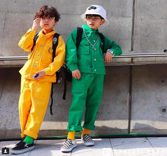 Đến hẹn lại lên, loạt nhóc tì khuấy đảo Tuần lễ Thời Trang Seoul 2018 với loạt street style cực chất cùng thần thái pose ảnh còn hơn cả người lớn - Ảnh 21.