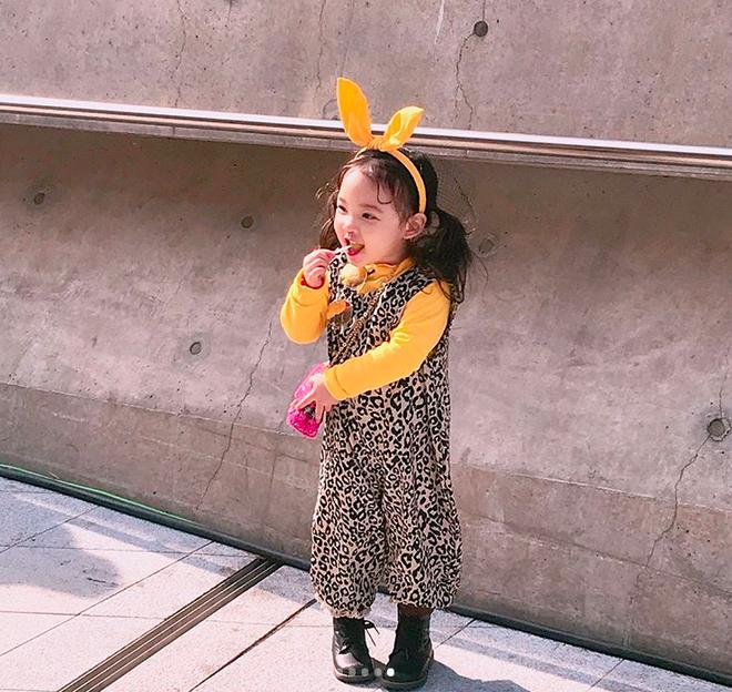 Đến hẹn lại lên, loạt nhóc tì khuấy đảo Tuần lễ Thời Trang Seoul 2018 với loạt street style cực chất cùng thần thái pose ảnh còn hơn cả người lớn - Ảnh 26.