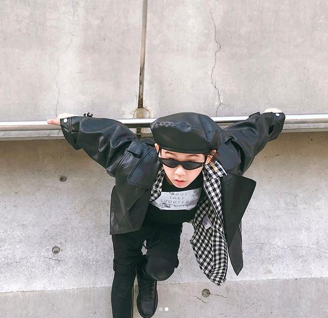 Đến hẹn lại lên, loạt nhóc tì khuấy đảo Tuần lễ Thời Trang Seoul 2018 với loạt street style cực chất cùng thần thái pose ảnh còn hơn cả người lớn - Ảnh 28.