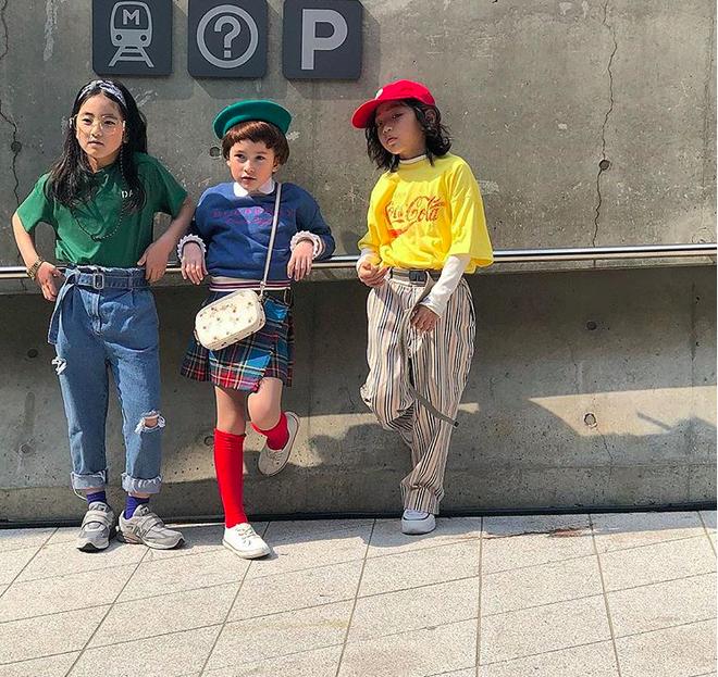 Đến hẹn lại lên, loạt nhóc tì khuấy đảo Tuần lễ Thời Trang Seoul 2018 với loạt street style cực chất cùng thần thái pose ảnh còn hơn cả người lớn - Ảnh 30.