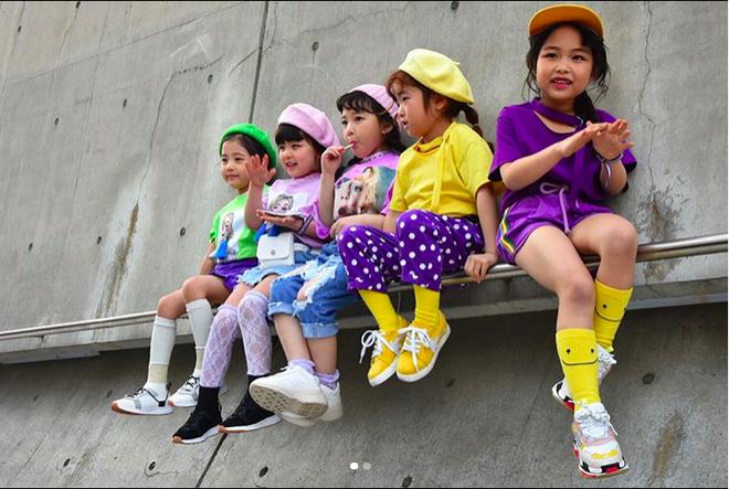 Đến hẹn lại lên, loạt nhóc tì khuấy đảo Tuần lễ Thời Trang Seoul 2018 với loạt street style cực chất cùng thần thái pose ảnh còn hơn cả người lớn - Ảnh 5.