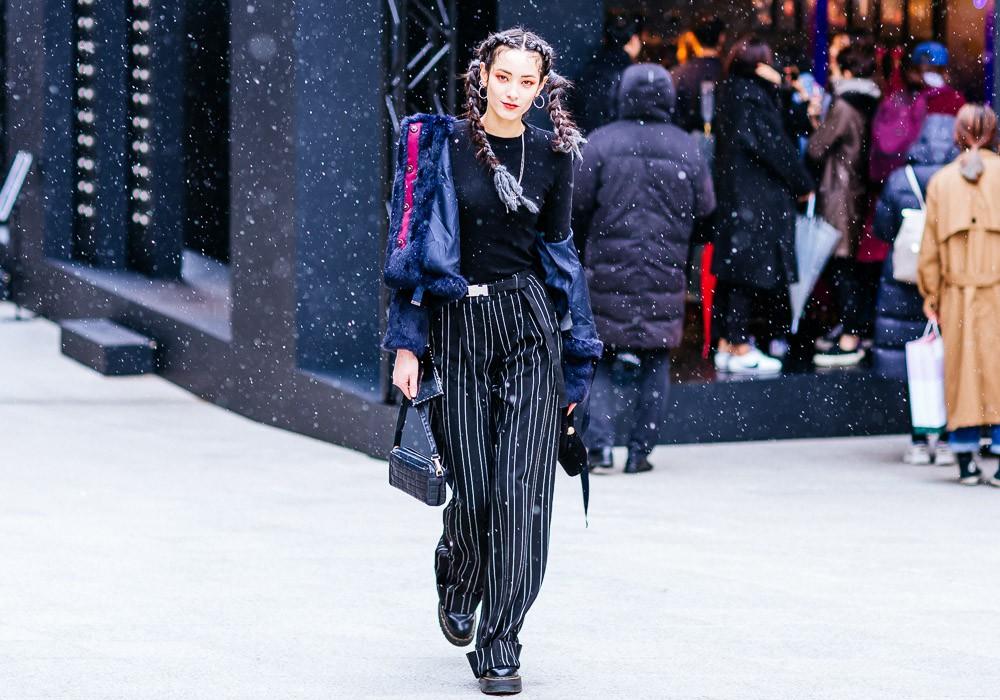 Giới trẻ Hàn Quốc luôn mặc đẹp nhưng chỉ tại Seoul Fashion Week, người ta mới có thể bắt gặp nhiều anh tài street style hội tụ đến thế - Ảnh 1.