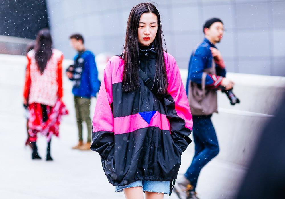 Giới trẻ Hàn Quốc luôn mặc đẹp nhưng chỉ tại Seoul Fashion Week, người ta mới có thể bắt gặp nhiều anh tài street style hội tụ đến thế - Ảnh 3.
