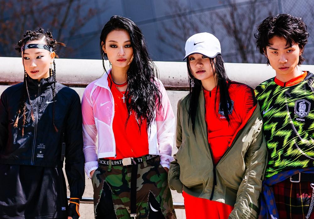 Giới trẻ Hàn Quốc luôn mặc đẹp nhưng chỉ tại Seoul Fashion Week, người ta mới có thể bắt gặp nhiều anh tài street style hội tụ đến thế - Ảnh 12.